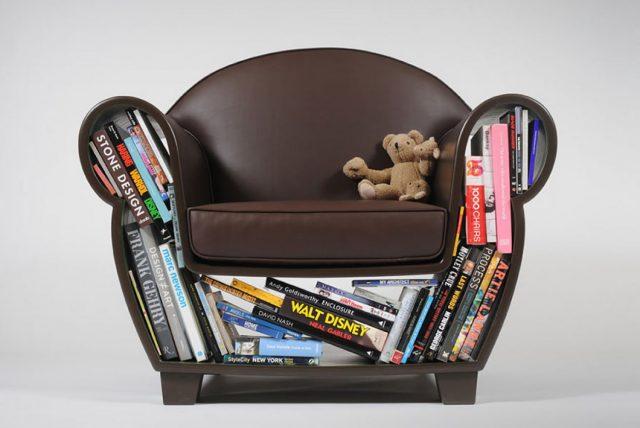 Кресло с полками для книг