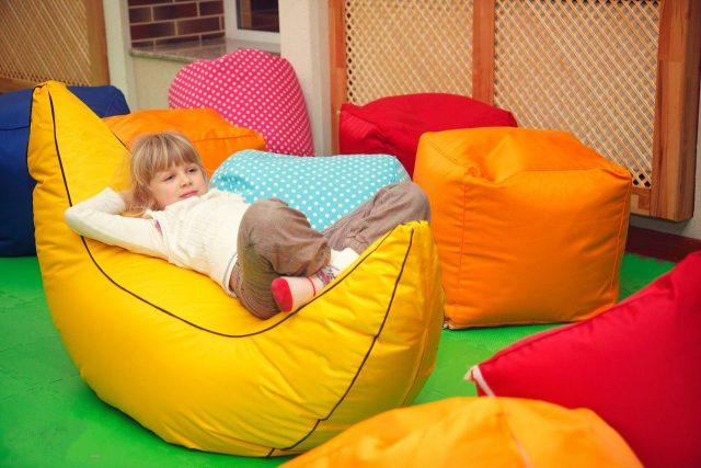 Мягкие пуфики для детской комнаты