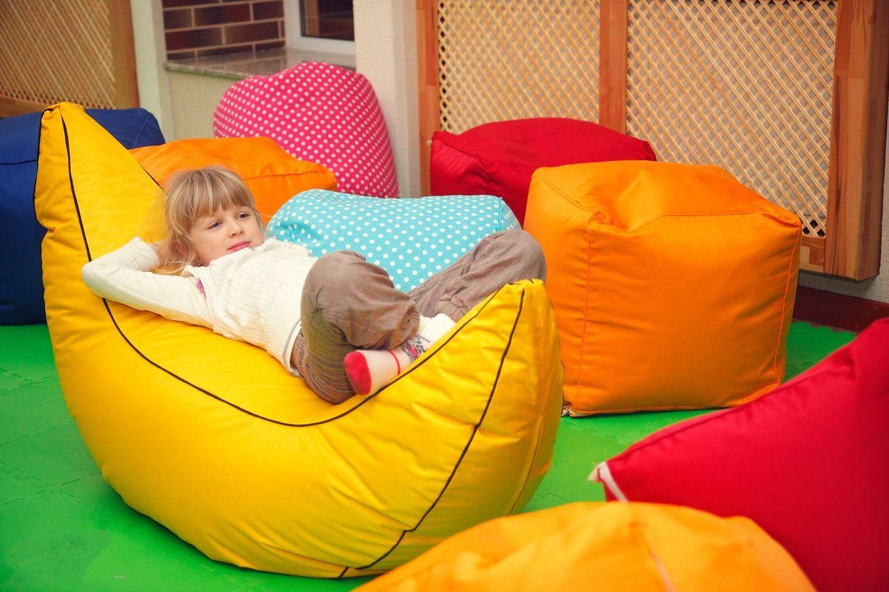 Дети и мягкая мебель фото
