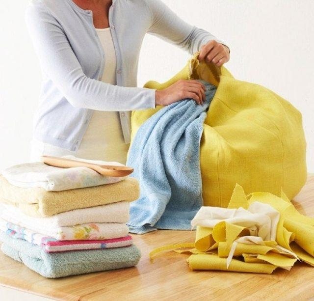 Набивка пуфа полотенцами