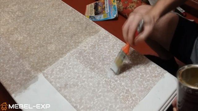 Покрытие салфеток лаком