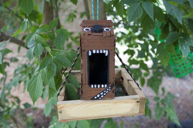 Креативный скворечник из деревянных палочек